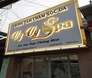 Làm bảng quảng cáo chữ nổi inox vàng