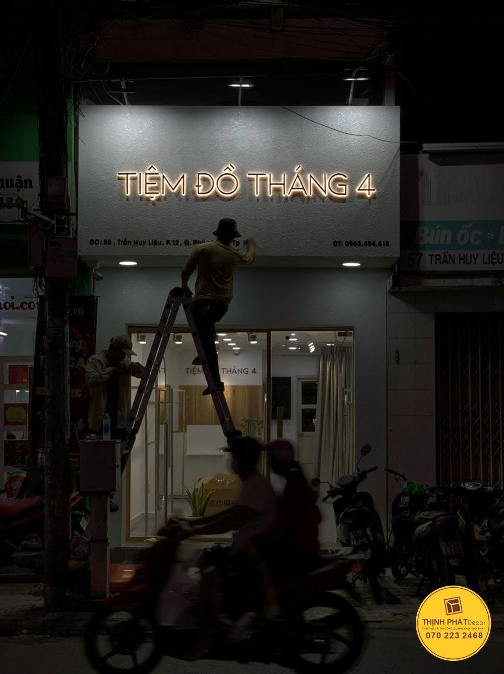 Bảng hiệu quảng cáo chữ nổi đèn Led