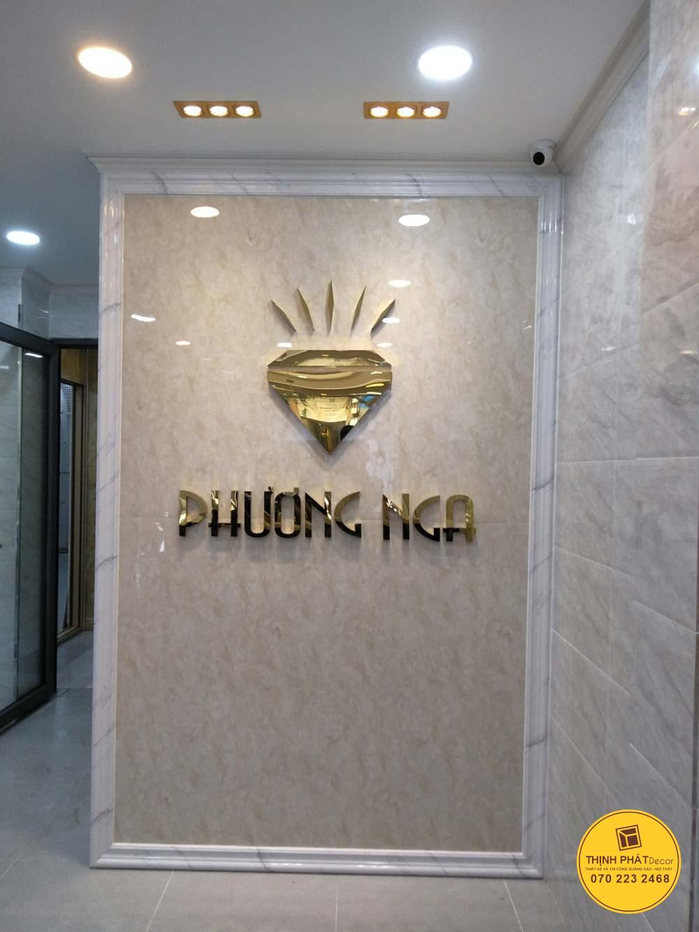Thi công logo bằng inox vàng tại quận 1 TPHCM