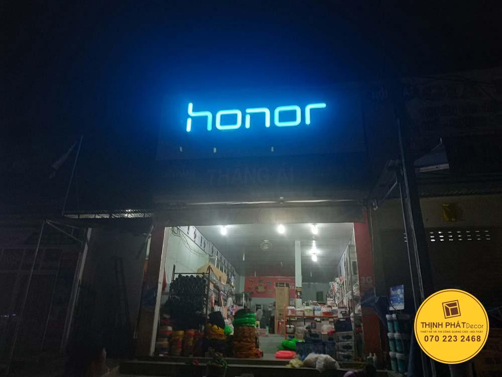 Làm bảng hiệu quảng cáo Honor